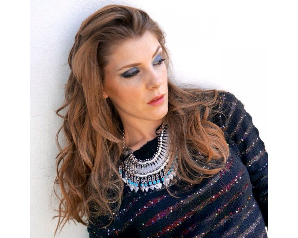 MAQUILLAJE CON SOMBRAS GRISES Y AZULES BY YAEL MAKE UP